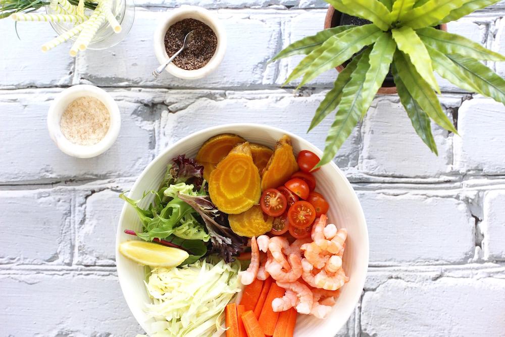 Simple Spring Shrimp Bowl. Detoxing Salad