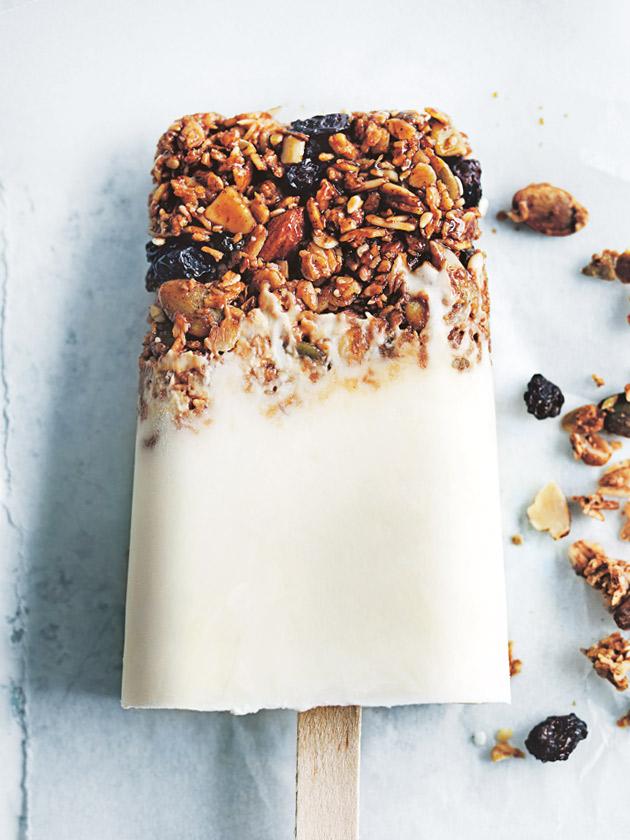 Yoghurt-granola-popsicles[1]